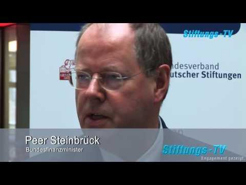 Zukunftssymposium 2009 Interview mit Peer Steinbrück