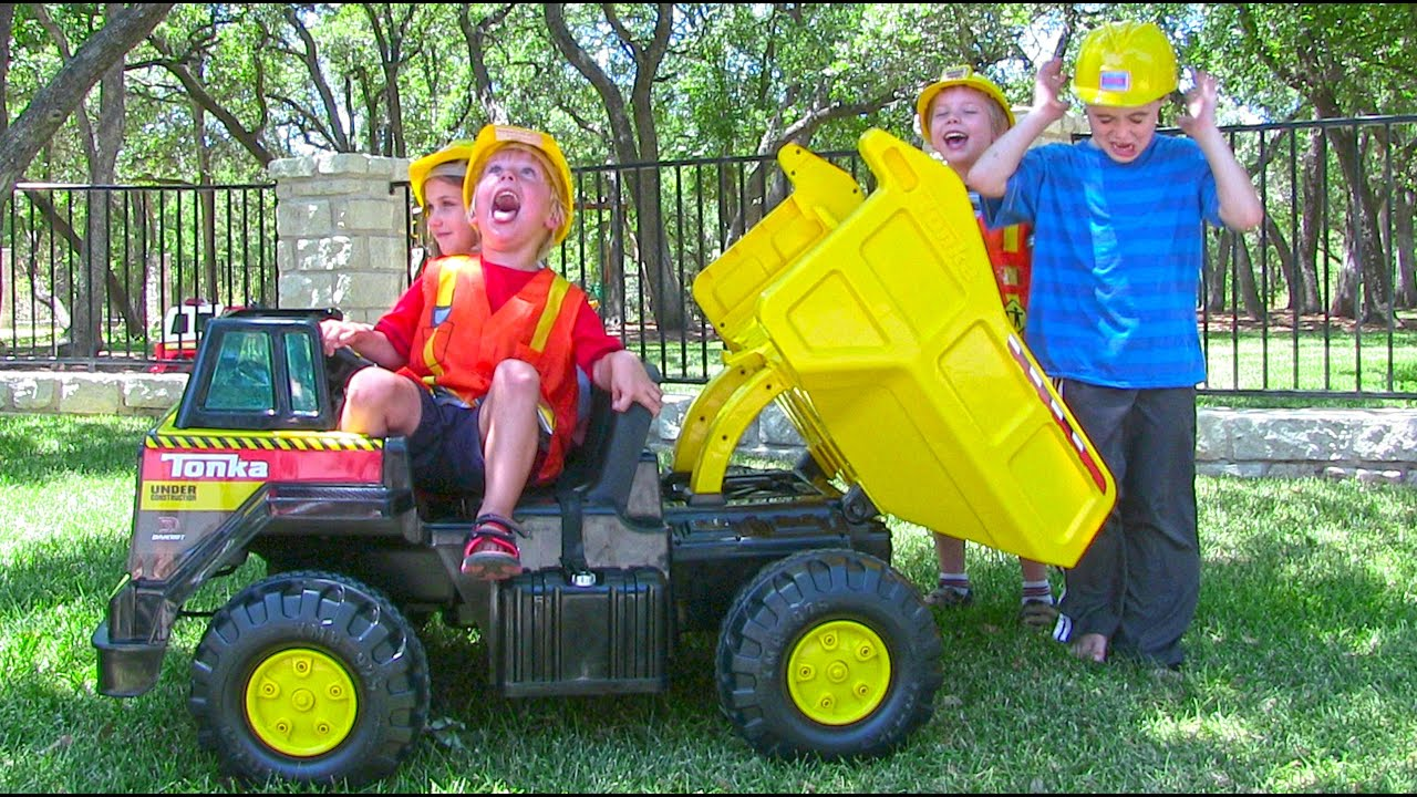 Tonka Ride On Mighty Dump Truck for Kids - Unboxing ...
