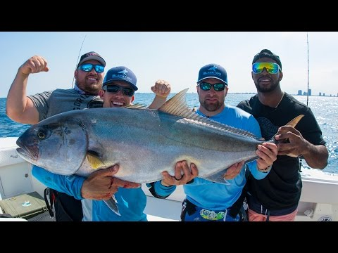 Amberjack Fishing Challenge - World Record Powerlifters Vs NFL Linebacker - 4K