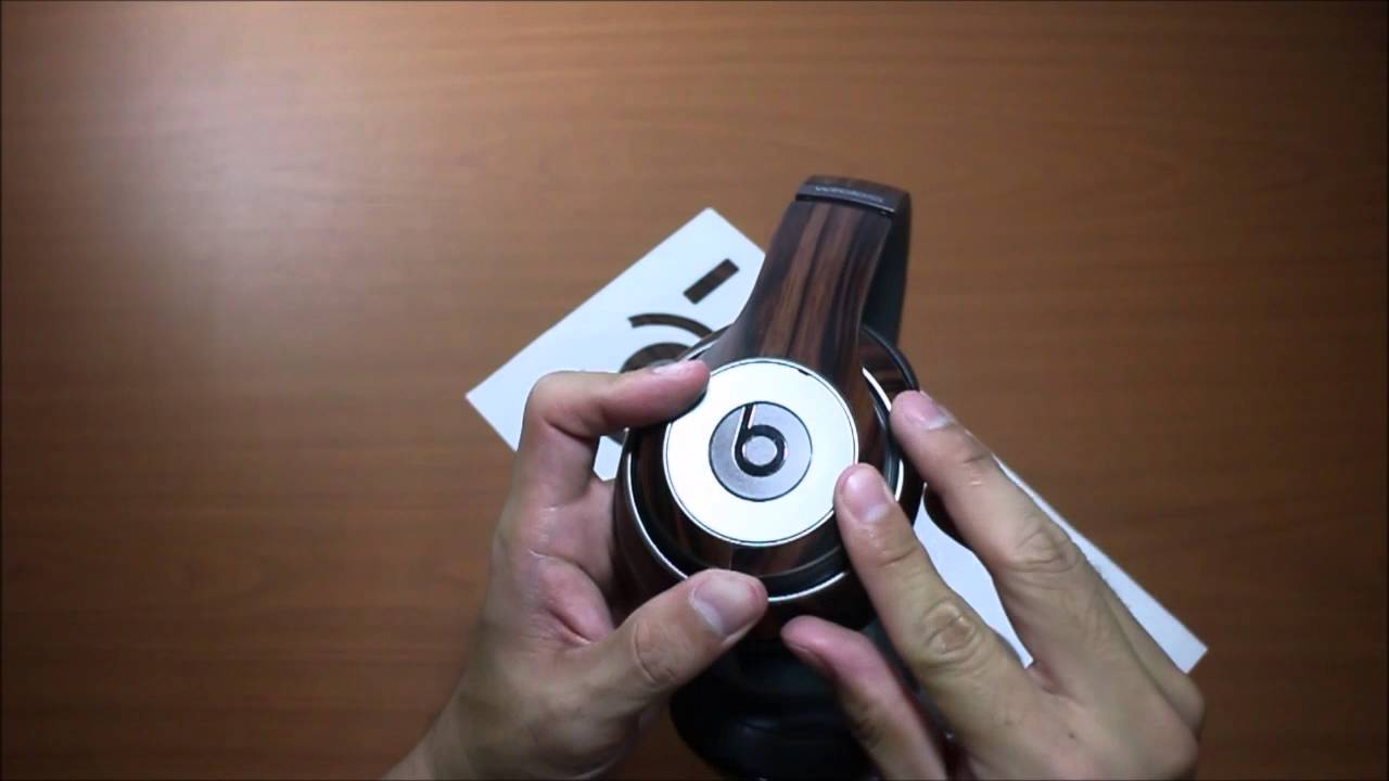 BEATS Studio Wireless with Slickwraps wood skin