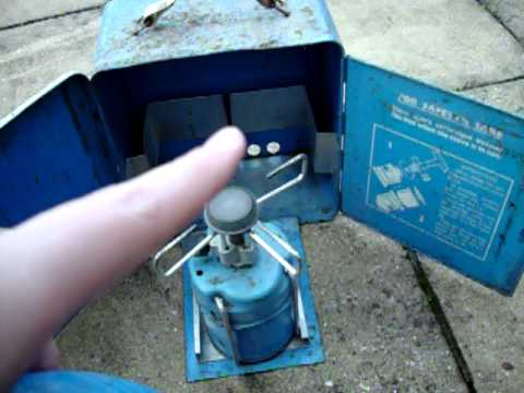 Found in the shed- campingaz deLuxe super bluet stove