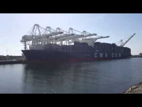 Largest Container Ship Ever Built. Benjamin Franklin Long Beach Harbor. 🚢