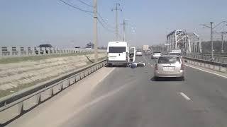 ДТП с участием маршрутки и мотоциклиста произошло на мосту Бердска