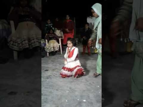 Little girl Bolan mai bhi tota se
