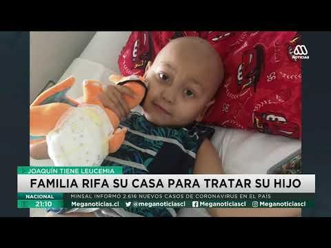 Familia rifa su casa para pagar tratamiento contra el cáncer de su hijo