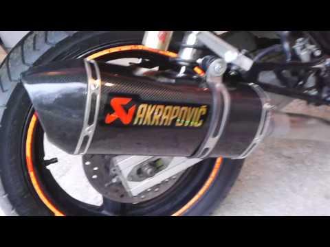 Honda CB400 AKRAPOVIC