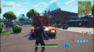 GlITCHEN con Mini CUBES en camión Fortnite Battle Royale