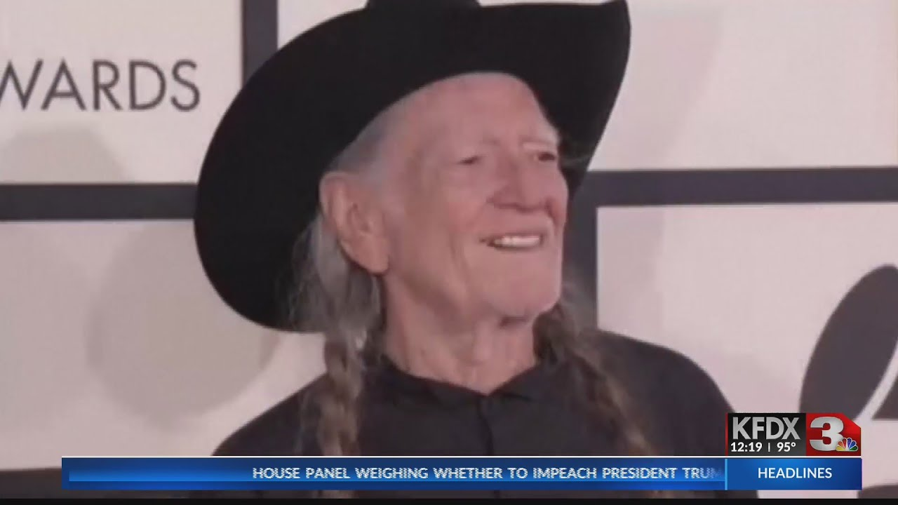 Willie Nelson comes off tour, cites 'breathing problem'