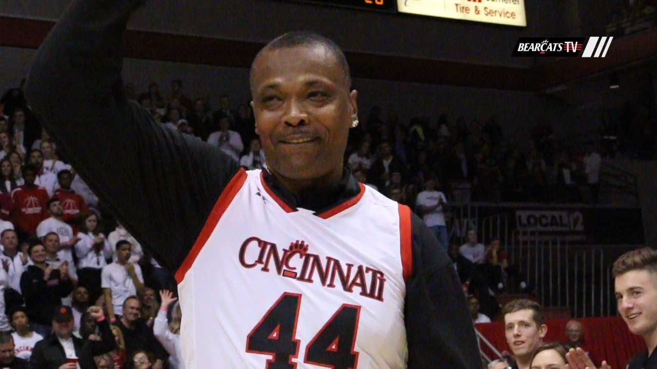 Members Of Cincinatis 1992 Final Four Team Return Home