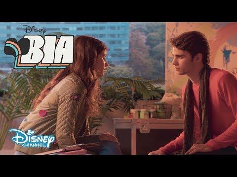 ¿El Primer Beso Binuel? | BIA