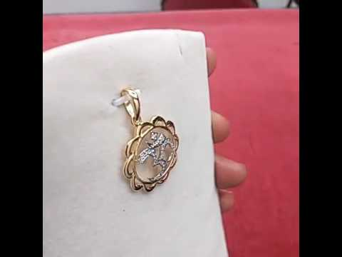 Certified Natural Diamond 'OM' pendant made of 18K Gold.