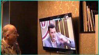Монтаж телевизора на стену. Настенное крепление, установка в Киеве(Как повесить телевизор на стену. Проблемы при подвеске телевизора. Клиентка растеряла родной крепеж. Мой..., 2014-01-30T09:18:59.000Z)