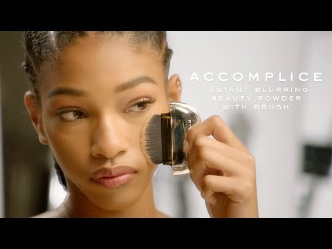 Accomplice Instant Blurring Beauty Powder with Brush | Marc Jacobs Beauty