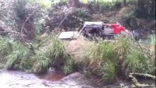 Maruti Suzuki Gypsy rescuing another gypsy