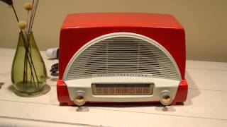 Red and White Philco AM Tube Radio plays AM thru the tubes