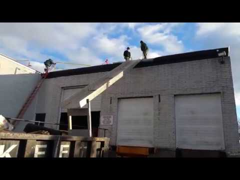 SMART CHUTE VIDEO IN USE ON COMMERCIAL BUILDING DEBRIS REMOVAL