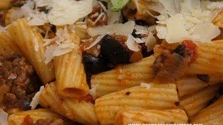 Italian Food - Spicy Beef Black Olives & Tomato Rigatoni Pasta Recipe