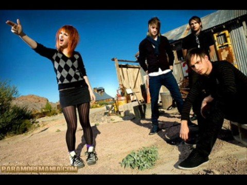 Paramore- Love's Not a Competition (But I'm Winning)