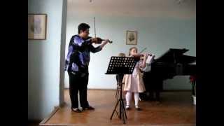 Mozart Menuet- Catalina Timofte si Zlata  Oboroc