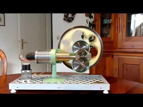 Rhomben Stirling  Zeitlupe Rhombic Stirling engine slow motion