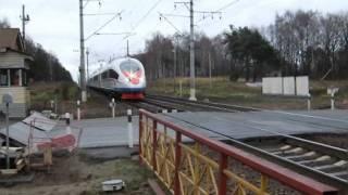 Проезд Сапсана мимо станции Черное