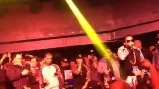 """Arcangel y De La Ghetto - Sola (en """"La Boom"""") en vivo"""