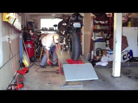 Auto Lift Motorcycle Lift  Review - Suzuki B-King & Honda Goldwing