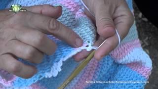 Semiha Gökaydın Bebe Battaniyesi Örgüsü Örüyor