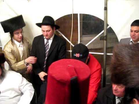 PURIM IN STAMFORD HILL 2-shimmy goldstien hantelach