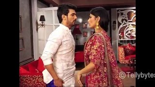 Dhoti romance in Naagin