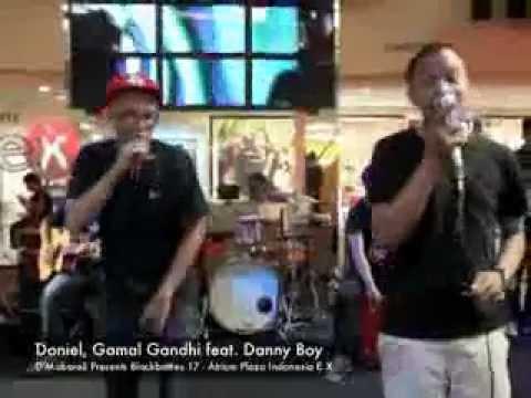 Doniel, Gamal Gandhi feat  Danny boy   Performing Live at BlockBattles 17   Cewek Simpanan