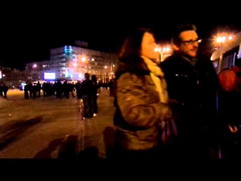 нападение гопника на оператора Juli Bellan площадь Ленина