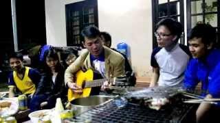 Thầy giáo trường đại học Bách khoa đà nẵng phiêu bên cây đàn ghita