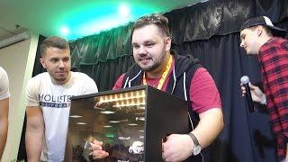 Mi van a dobozban? ( Youtuberekkel ) | TerraPláza
