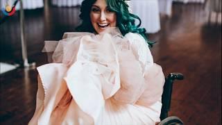 Гости застыли, когда появилась невеста на инвалидной коляске. Через минуту все рыдали…