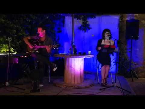 Extracto de la actuación de Angel Dust en el restaurante