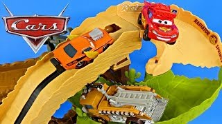 CARS Radiator Springs 500 1/2 Off-Road Rally Race Track Action Shifters Lightning Mcqueen Play Doh