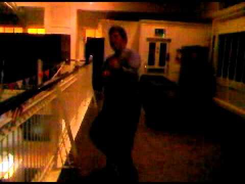 the dancing gay bear.3GP