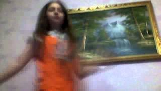 ●Подиум -- Танцуй, пока молодая девочка Рая