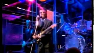 Elvis Costello - I don't want to go to Chelsea. (TOTP 1978)