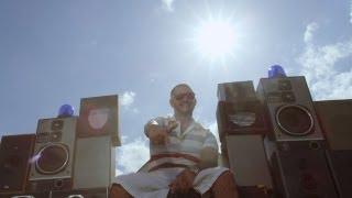 Seth Gueko - Barbeuk (enfin l'été) [CLIP OFFICIEL] thumbnail