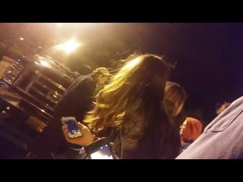 Mac Demarco visits fans- Turn the volume down *Loud Shouts*