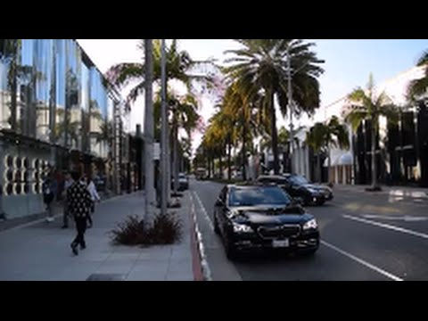 Beverly Hills Rodeo Drive Walking Tour - Los Angeles, CA