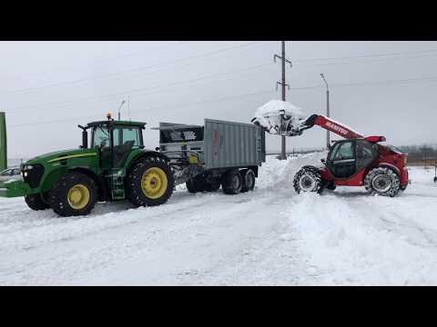 Сельхозтехника работает не только в поле!