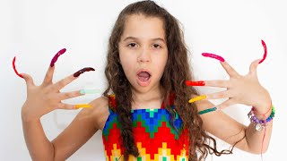 SARAH FINGE ter UNHAS COMPRIDAS | Sarah pretend play Long nails