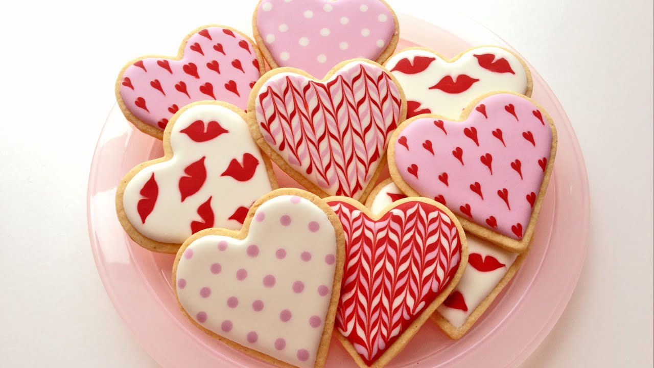 How To Decorate Cookies for Valentine's Day - YouTube