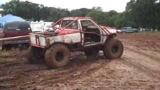 Video Toyota Pulls Camper Out of Mud at Calrocs download MP3, 3GP, MP4, WEBM, AVI, FLV Oktober 2018