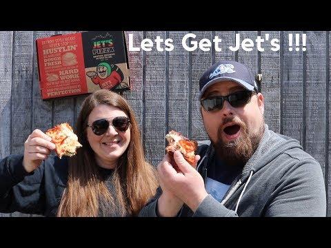 Jet's Mediterranean Pizza Review   Deep Dish Detroit Style Veggie Pizza Review   Michigan Review