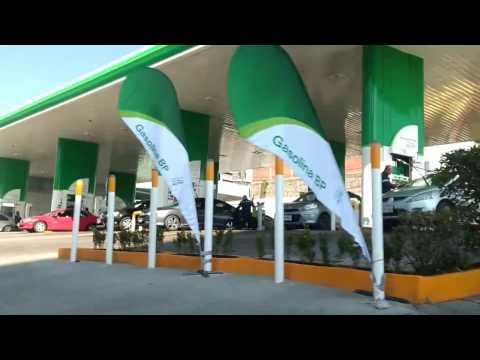 La Primer Gasolinera BP En Mexico Super Abarrotada