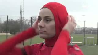 نساء أفغانستان يتحررن من التطرف بممارسة كرة القدم
